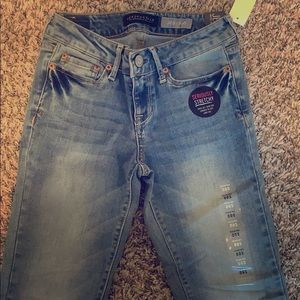 NWT Aeropostale Low Rise Jeggings